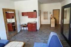 ubytovani-v-jachymove-recepce-apartmanoveho-domu-carmen-1